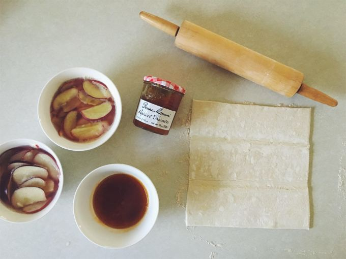 apples, apricot jam, puff pastry